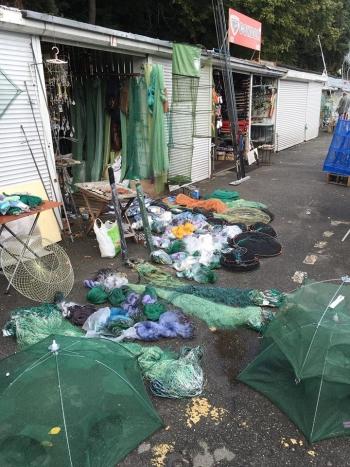 Рибний патруль Київщини виявив численні порушення з реалізації заборонених знарядь лову на ринку Бухара