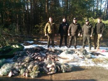 Протягом двох тижнів рибоохоронний патруль Київщини зафіксував 255 порушень та вилучив більше тонни риби