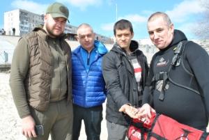 В річку Дніпро вселили майже тонну риби, - Київський рибоохоронний патруль