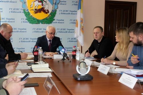 Київський рибоохоронний патруль взяв участь у круглому столі з питань безпеки на воді