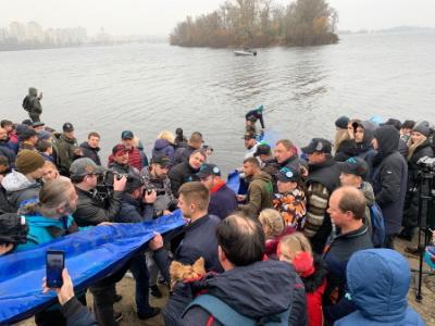 Цими вихідними у річці Дніпро стало майже на 7 тонн риби більше, - Київський рибоохоронний патруль